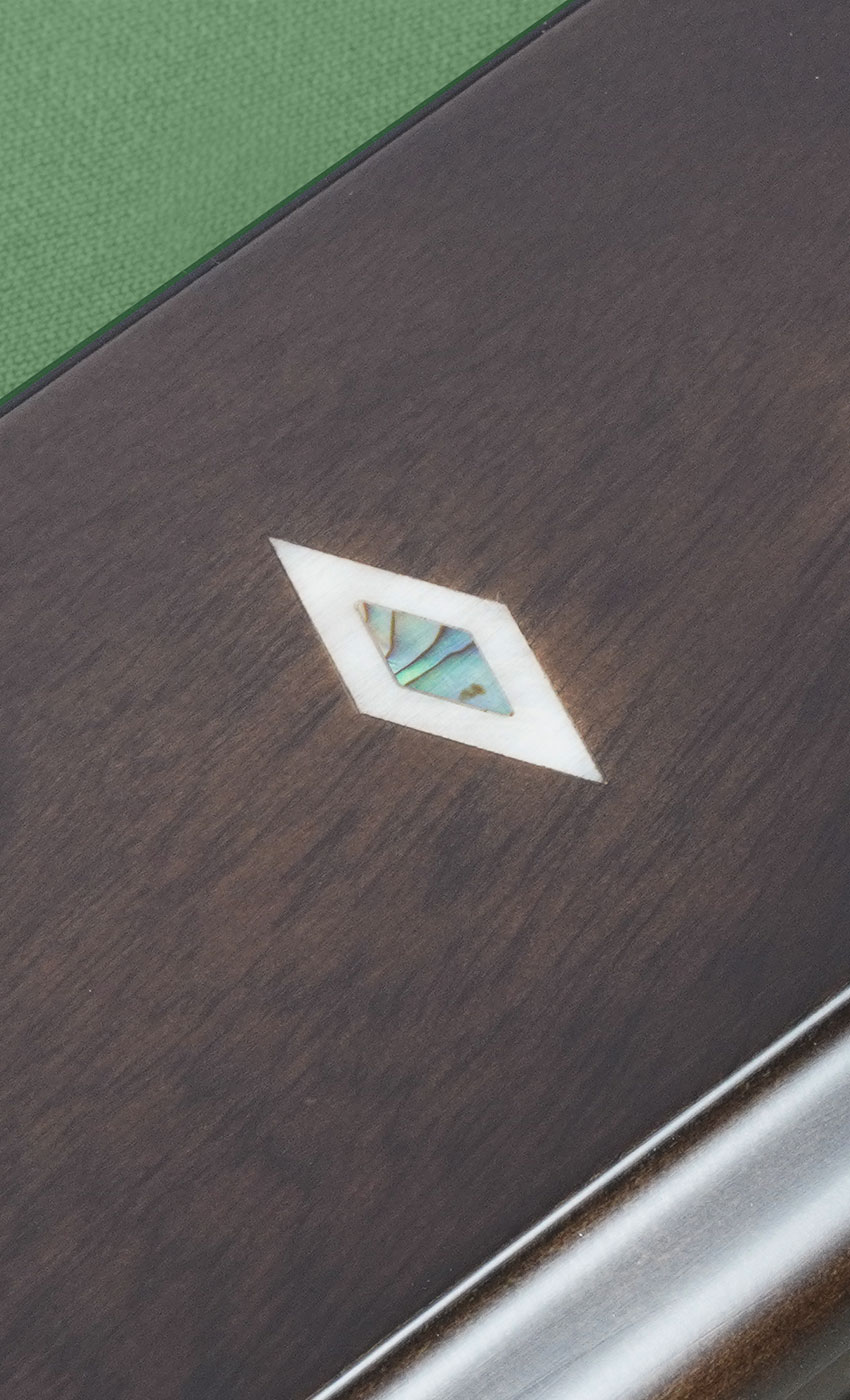 Mother-of-Pearl outlined with Abalone in double diamond site detail
